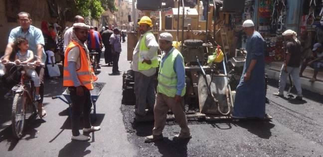رفع كفاءة شارع الصنايع بالأقصر ومنع وقوف الباعة الجائلين