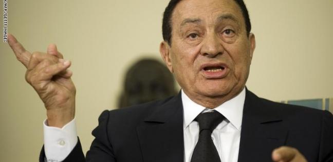 مبارك: ياسر عرفات صفق بعدما سمع قرار زيارة السادات لإسرائيل