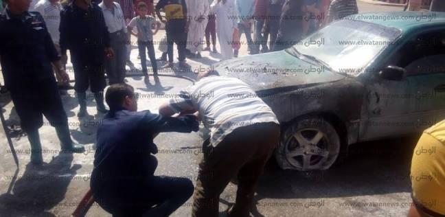 صور| السيطرة على حريق نشب في سيارة ملاكي بالغربية