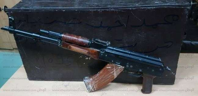 ضبط بندقيتين آليتين وطلقات بحيازة فلاح بديروط