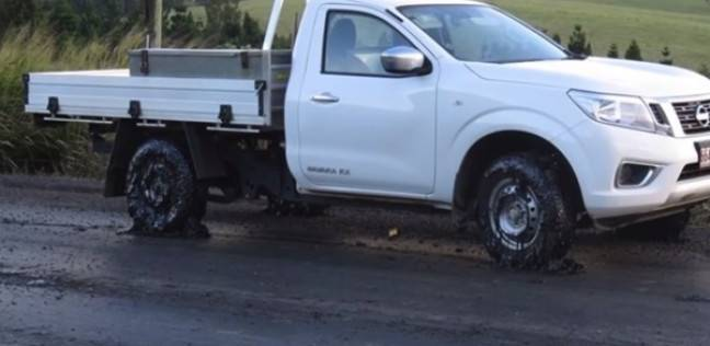 """ذوبان إطارات عشرات السيارات في أستراليا بسبب """"الحر"""""""