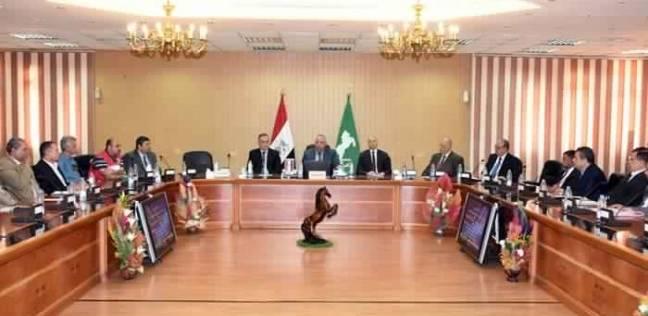"""محافظ الشرقية يتابع تجهيز معارض """"أهلا رمضان"""" مع رؤساء المراكز والمدن"""