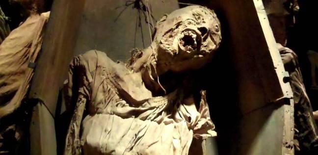 جثة أشبه بالمومياء تثير الحيرة.. ومفاجأة في تقرير الطب الشرعي