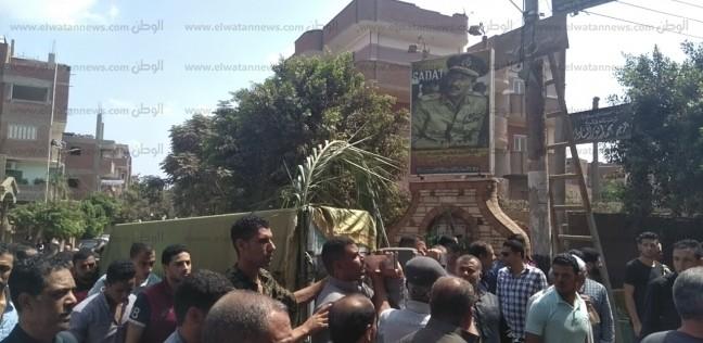 بالصور| أهالي ميت أبوالكوم يشيعون جثمان شقيقة الرئيس الراحل السادات