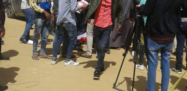 """مواطنون يرددون """"بشرة خير"""" أمام لجان الانتخابات بأكتوبر"""