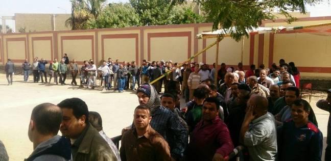 تزايد الإقبال على اللجان الانتخابية بالسويس