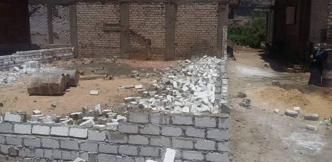 وقف أعمال بناء 3 أبراج مخالفة بأبو فليو بالمنيا