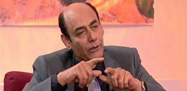 """أحمد بدير عن تعري ممثل سوري على المسرح بتونس: """"كان لازم ياخد على قفاه"""""""