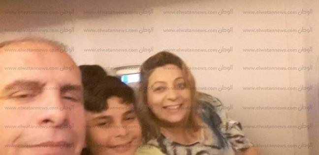 كلابشات وغيبوبة سكر.. المصري المعتدى عليه يروي تفاصيل ليلة سيئة في مطار بوخارست