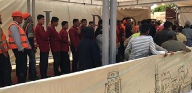 بالصور  إقبال كثيف على مدرسة فاطمة عنان بالقاهرة الجديدة