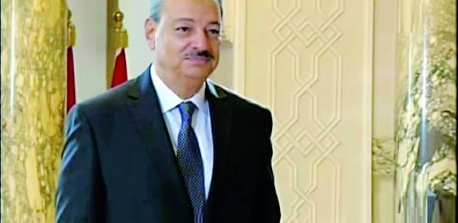 النائب العام يأمر بالتحقيق مع المتهم بخطف الطائرة المصرية بعد تسلمه