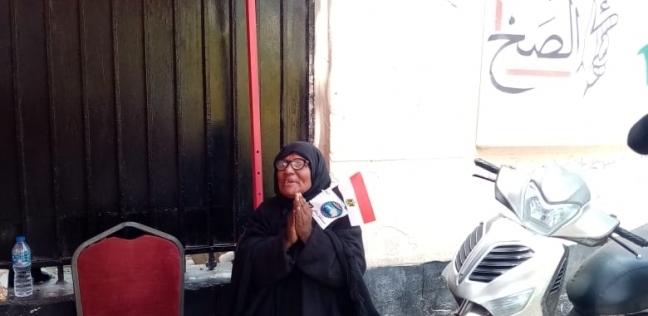سيارات تجوب التحرير بالأغاني الوطنية للحث على الاستفتاء: صوتك مستقبلك