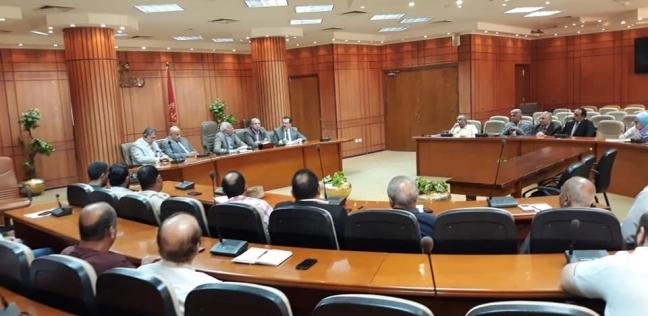 المحافظ يناقش دور الشباب في منظومة التحول الرقمي ببورسعيد