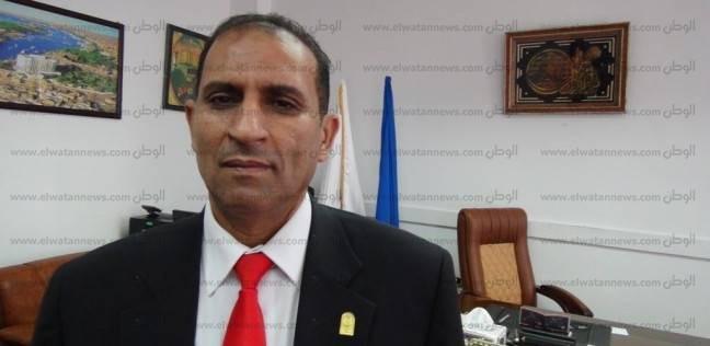 رئيس جامعة أسوان يشدد على سرعة إعلان نتائج الفرق النهائية