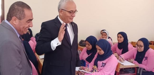 بالصور| التعليم: حجازي يتابع انتظام سير العملية التعليمية بمدارس محافظة الجيزة