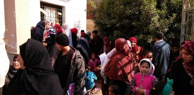 """الكشف على 2138 مريضا بقافلة طبية في قرية """"النجوم"""" بكفر صقر بالشرقية"""