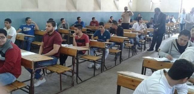 اليوم الأول لـ «ملاحق» الثانوية: 4 حالات غش بالمحمول والبلوتوث فى امتحانى اللغة العربية والتربية الدينية