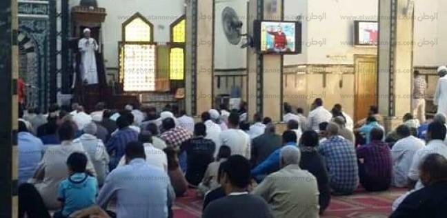 """صورة """"مينا"""" ضحية سرقة هاتف محمول بأسوان تظهر في أحد المساجد"""