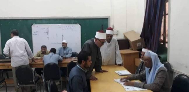 رئيس منطقة المنيا الأزهرية يتابع أعمال تصحيح امتحانات الثانوية