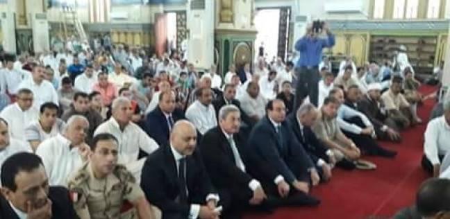"""محافظ الدقهلية يؤدي صلاة العيد بمسجد """"النصر"""""""