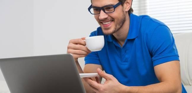 """دراسة: """"سر السعادة"""" يكمن في استخدام الإنترنت يوميًا في العصر الحديث"""