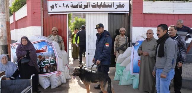 إقبال ملحوظ على اللجان الانتخابية في البحر الأحمر