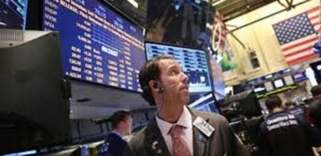الأسهم الأمريكية تتراجع مع مخاوف إغلاق الحكومة