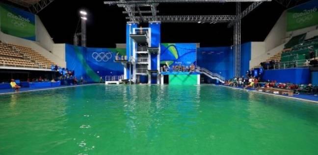 """تغير لون مياه أحواض السباحة في الأولمبياد.. وموقع بريطاني: أحد المسابقين """"تبوَّل"""""""