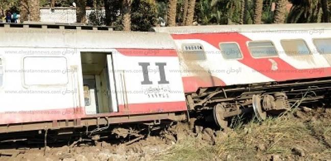 بالفيديو| بعد يومين من حادث البدرشين: القطار المقلوب لا يزال على مدخل القرية.. والأهالى: «حالنا واقف»