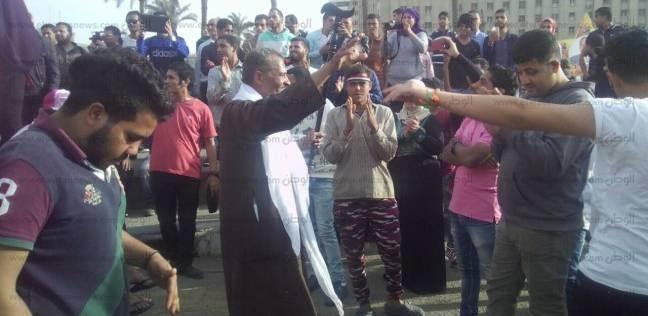 بالصور| رقص شعبي في ميدان التحرير احتفالا بماراثون الانتخابات