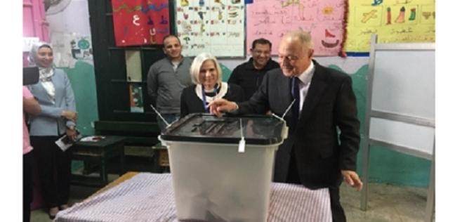 أبو الغيط يدلي بصوته على التعديلات الدستورية بمصر الجديدة: واجب وطني