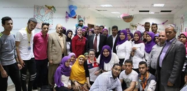 """رئيس جامعة بني سويف يشهد ختام معسكرا تدريبيا لطلاب """"الخدمة الاجتماعية"""""""