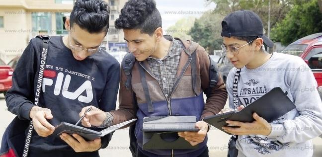 1700 مدرسة جاهزة لامتحان أولى ثانوى بـ«التابلت» وبدون «إنترنت»