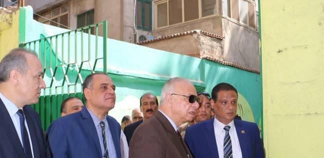 محافظ القاهرة يتابع سير الانتخابات الرئاسية من غرفة عمليات المحافظة