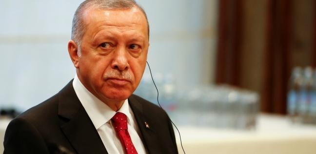 تركيا تعتقل 26 محاميا احتجوا على عزل 3 رؤساء بلديات