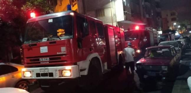 حريق بمحلين لبيع زيوت وبطاريات السيارات في الإسكندرية بسبب ماس كهربائي