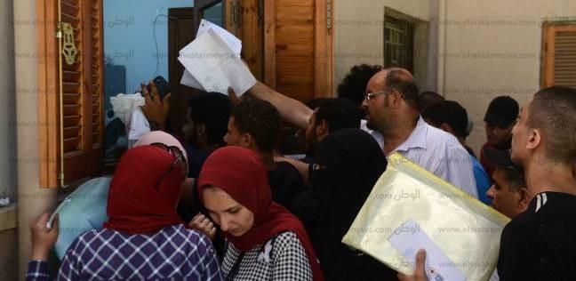 توافد الطلاب على تنسيق الدبلومات الفنية في جامعة القاهرة