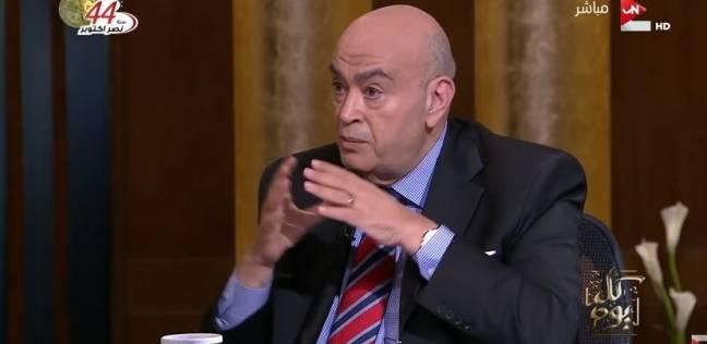 """عماد أديب: السيسي أنفق من """"لحمه ودمه"""" من أجل إصلاح الدولة"""