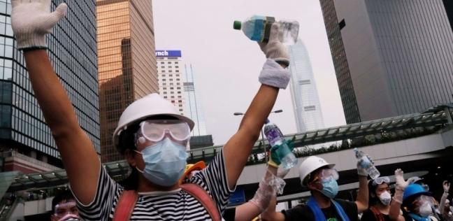 بالفيديو| اشتباكات بين الشرطة ومحتجين أمام البرلمان الصيني