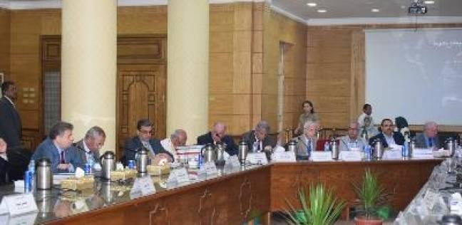 مجلس قيادات جامعة بنها يستعرض إنجازات وحدة التعليم الطبي