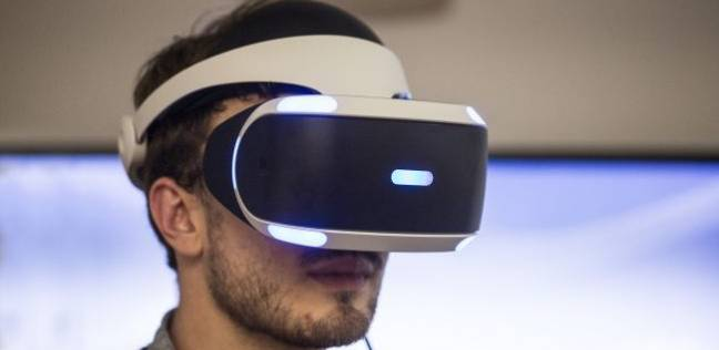 """تطوير نظارات الواقع الافتراضي لتناسب أجهزة """"البلاي ستيشن"""""""