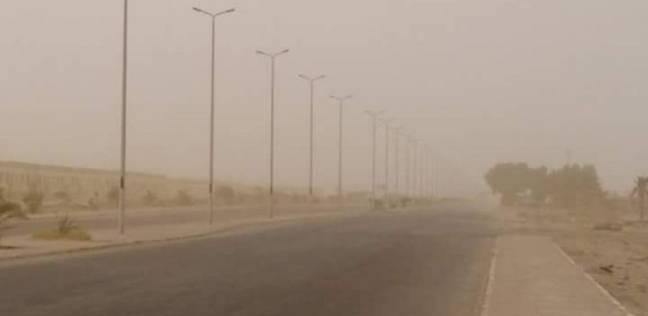 عاصفة ترابية تضرب مدينة رأس غارب وقرية الزعفرانة في البحر الأحمر