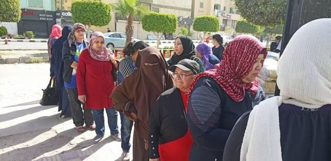 بالصور| توافد الناخبين على لجان الانتخابات بالشرقية