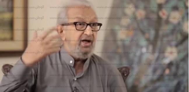 أشرف زكي: نور الشريف كان يدفع مصاريف