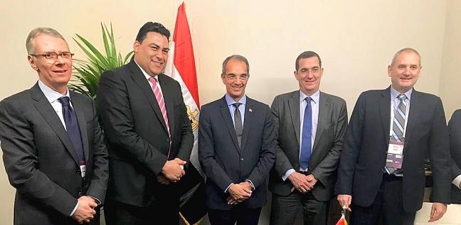 """طلعت يشهد توقيع مذكرتي تعاون بين """"المصرية للاتصالات"""" و""""نوكيا"""""""