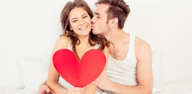 دراسة تنصح الأزواج.. تدليك القدمين يعزيز الرغبة الجنسية