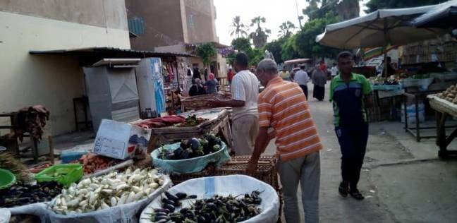 حي وسط الإسكندرية يشن حملة لرفع إشغالات الطريق العام