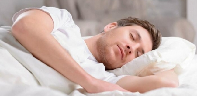 يسبب النوبات القلبية .. أضرار كثرة وقلة النوم على الإنسان