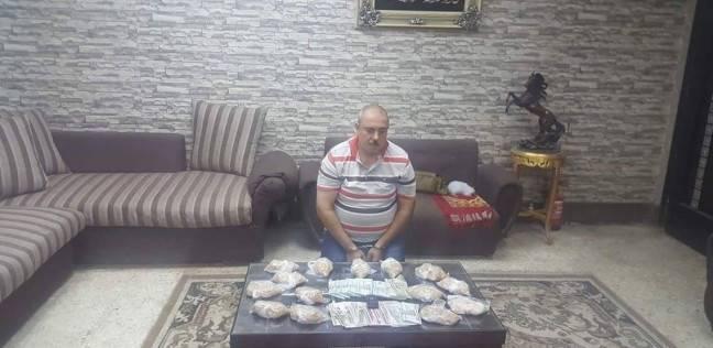 ضبط سائق بـ15 ألف قرص مخدر في دمياط