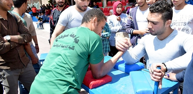 أحمد عزيز يشهد فعاليات المهرجان الرياضي للجامعات المصرية بسوهاج